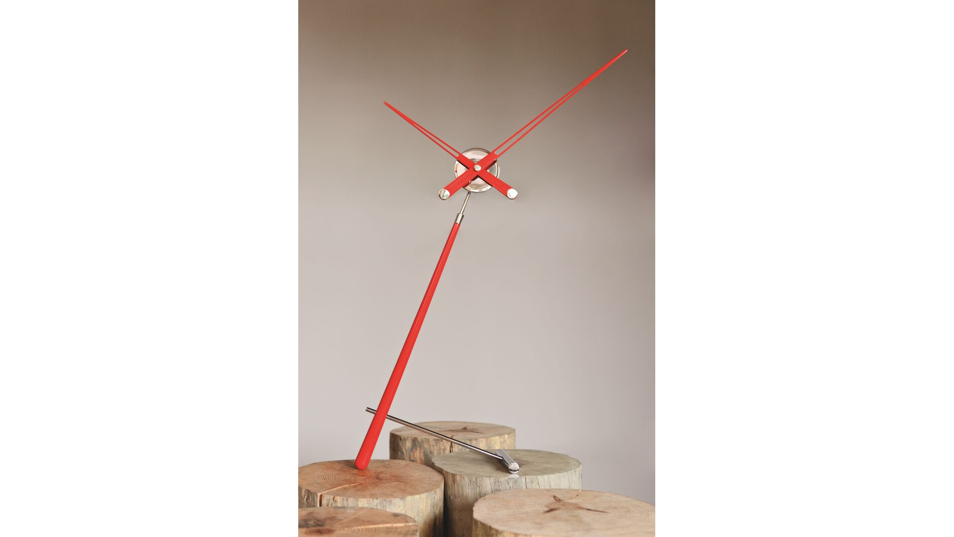 Часы Nomon Puntero L RED, хром/красный лак, D=74 см.