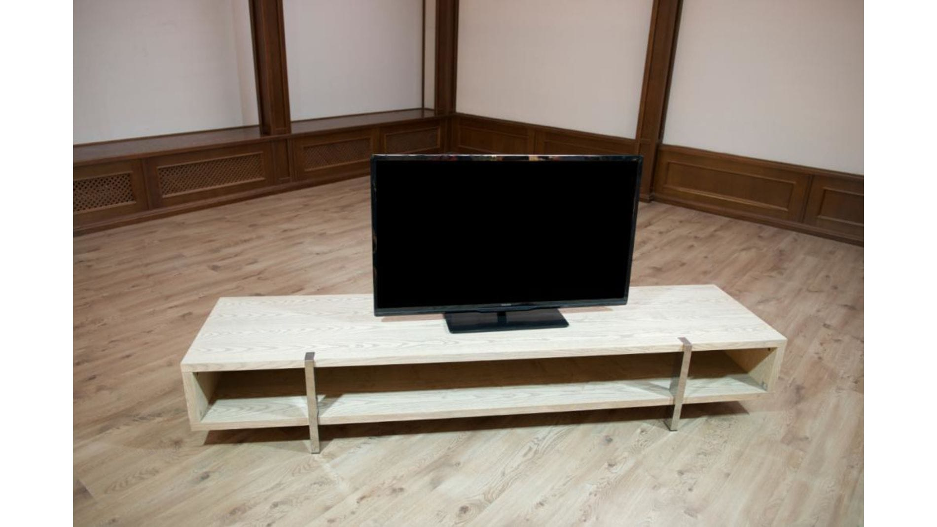 ТВ Тумба Lago Maggiore