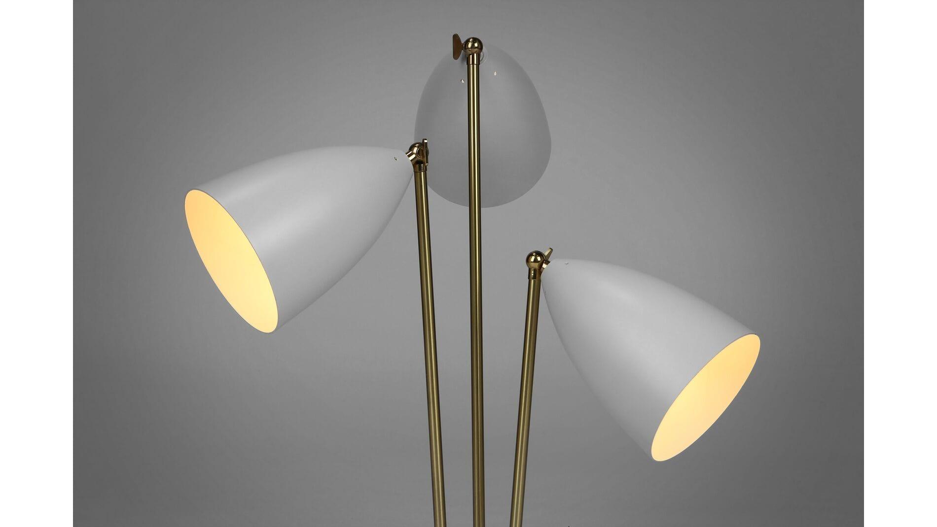 Настольный светильник Three-Armed